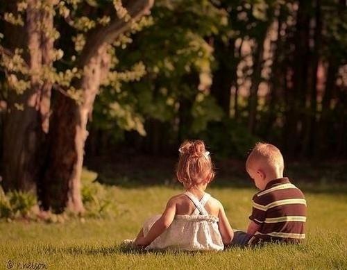 cute-kids-couple-love-blacksheep.rs