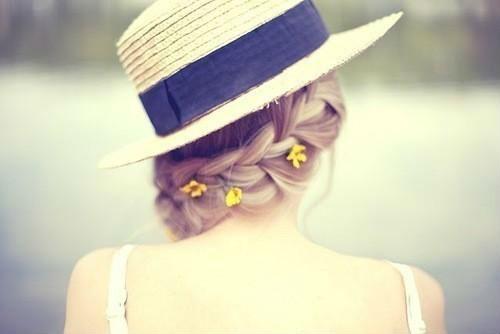 blond-blonde-flowers-blacksheep.rs