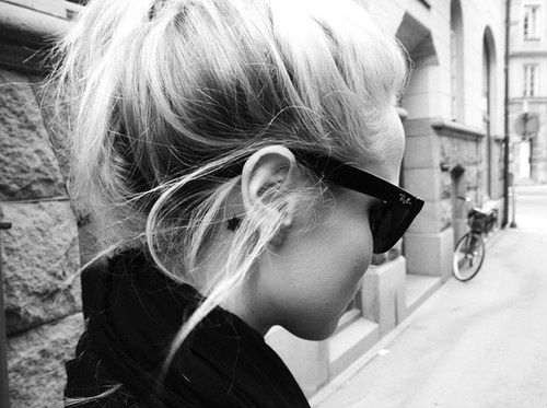 tumblr_static_blond-girl-hair-ray-ban-sunglasses-blacksheep.rs