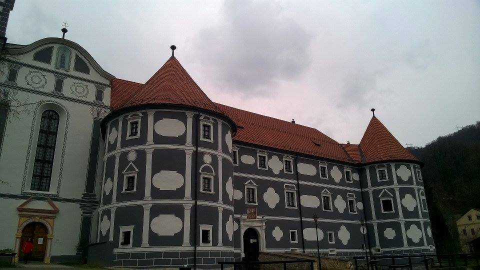 samostan-olimlje-slovenija-blacksheep.rs